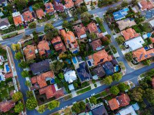 Ansicht eines Häuserblockes von oben, somit sind Hauptsächlich Dächer und Strassenführung zu erkennen